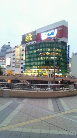 仙台駅からロフトを眺める